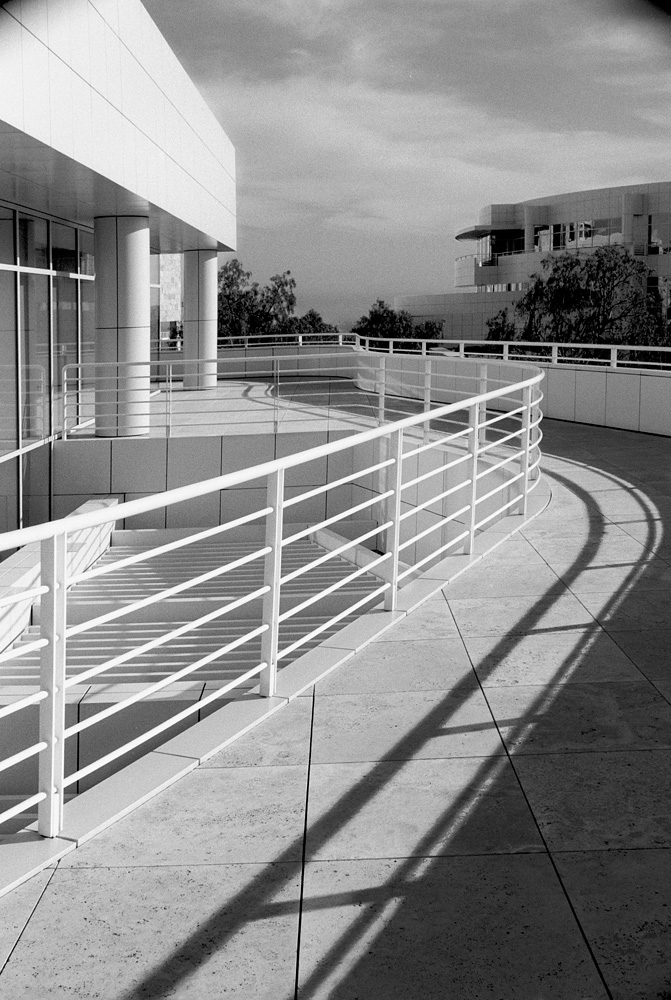 Getty_400_BW_Shadow_Railin-copy