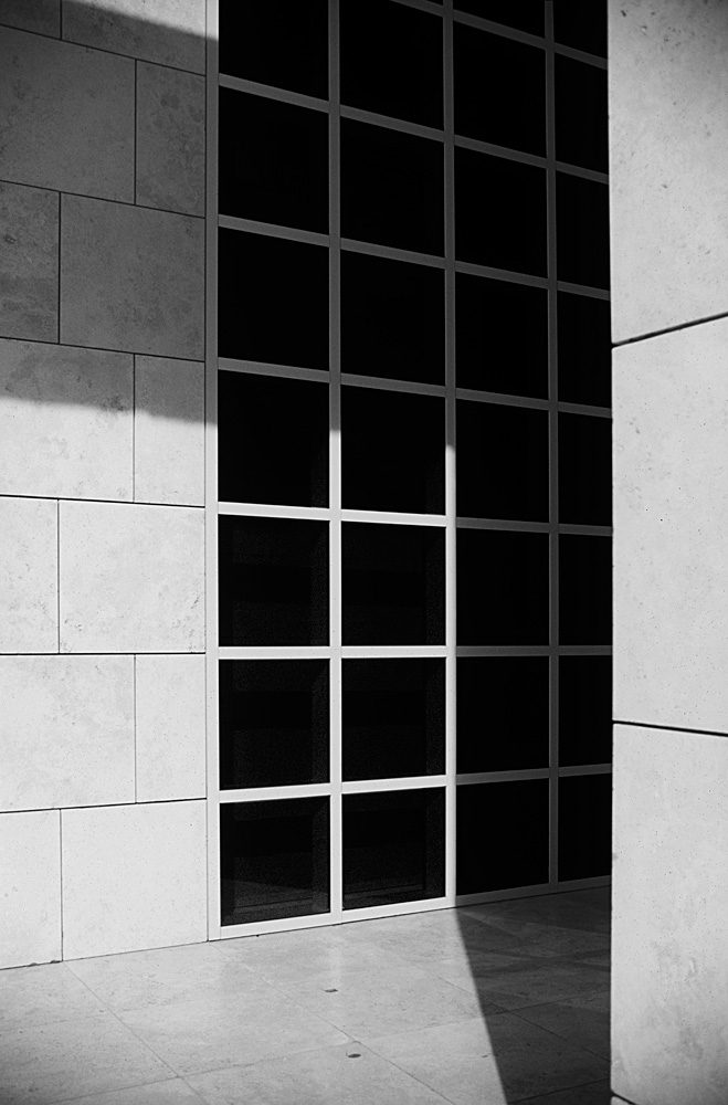 Getty_400_BW_Window